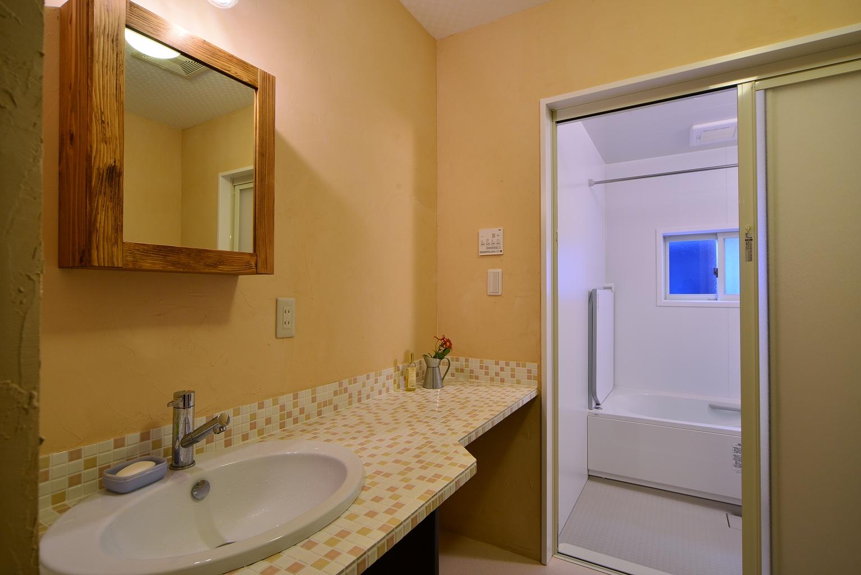 寒くてお手入れの大変な在来浴室を快適なユニットバスに。(那須町O様邸)