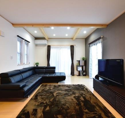 栃木県那珂市 - シューズクロークとリビング増築ですっきり空間に